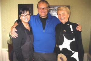 Sandra Weise, Alton Brown and Soile Anderson during Food Network visit to Twin Cities.